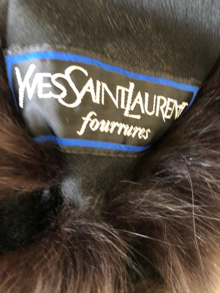 Yves Saint Laurent Fourrures Luxe Vintage Black Jersey Shawl w Fox Fur Trim  For Sale 6