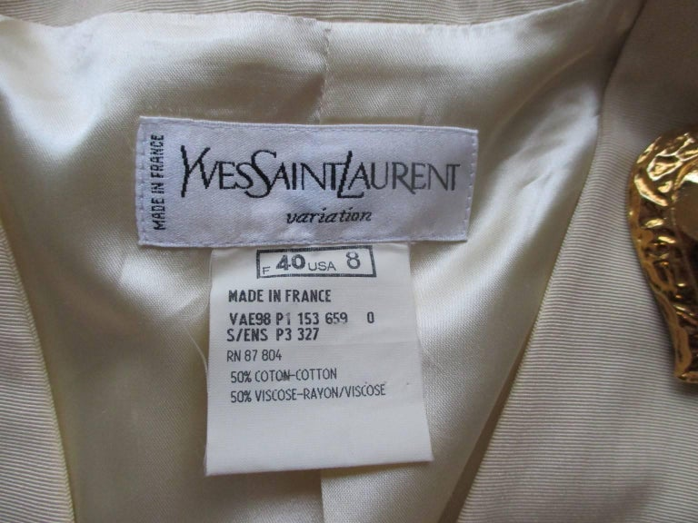 yves saint laurent gold heart buttons jacket In Good Condition For Sale In Amsterdam, NL