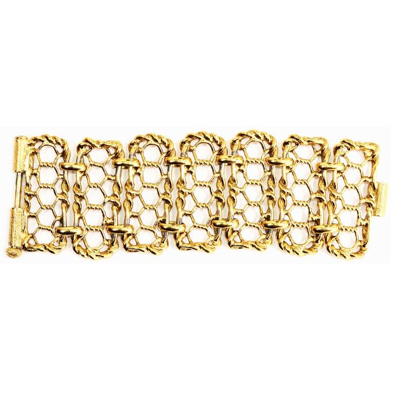 Yves Saint Laurent Gold Plated Wide Chain Link Vintage Bracelet w Bar Clasp For Sale 5
