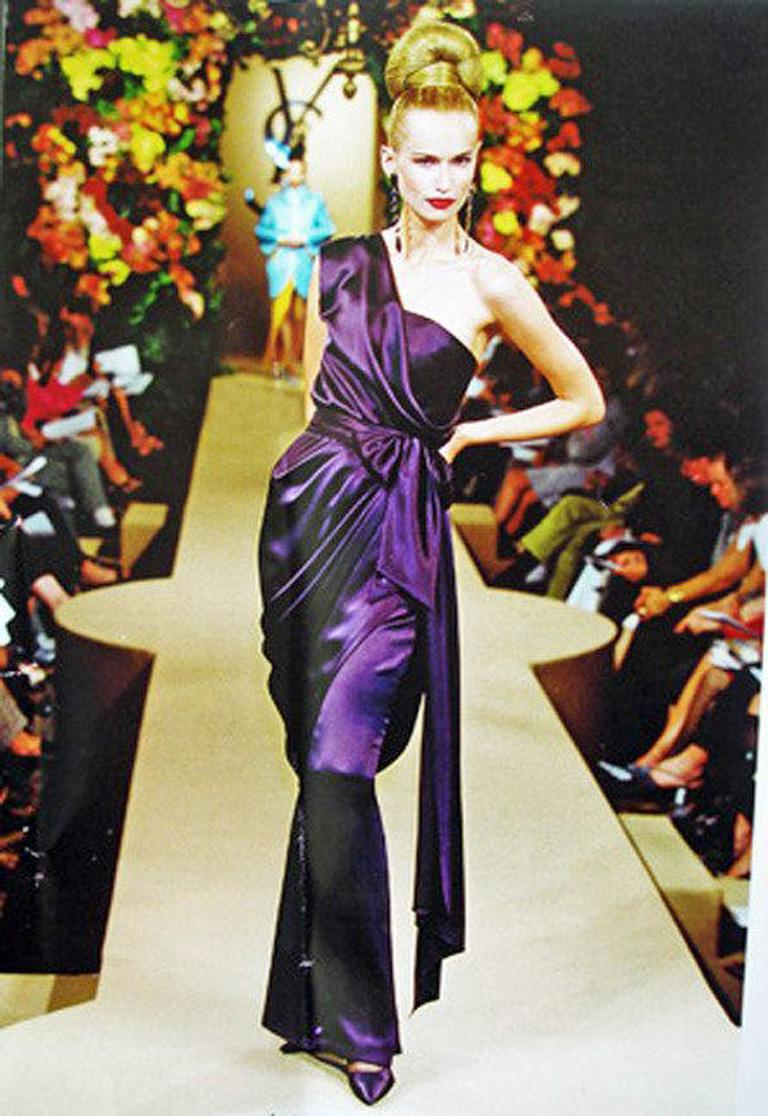 Women's Yves Saint Laurent Haute Couture Red Carpet Ready Runway Gown  For Sale