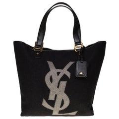 Yves Saint Laurent Kahala Tote bag en black Monogram Wool