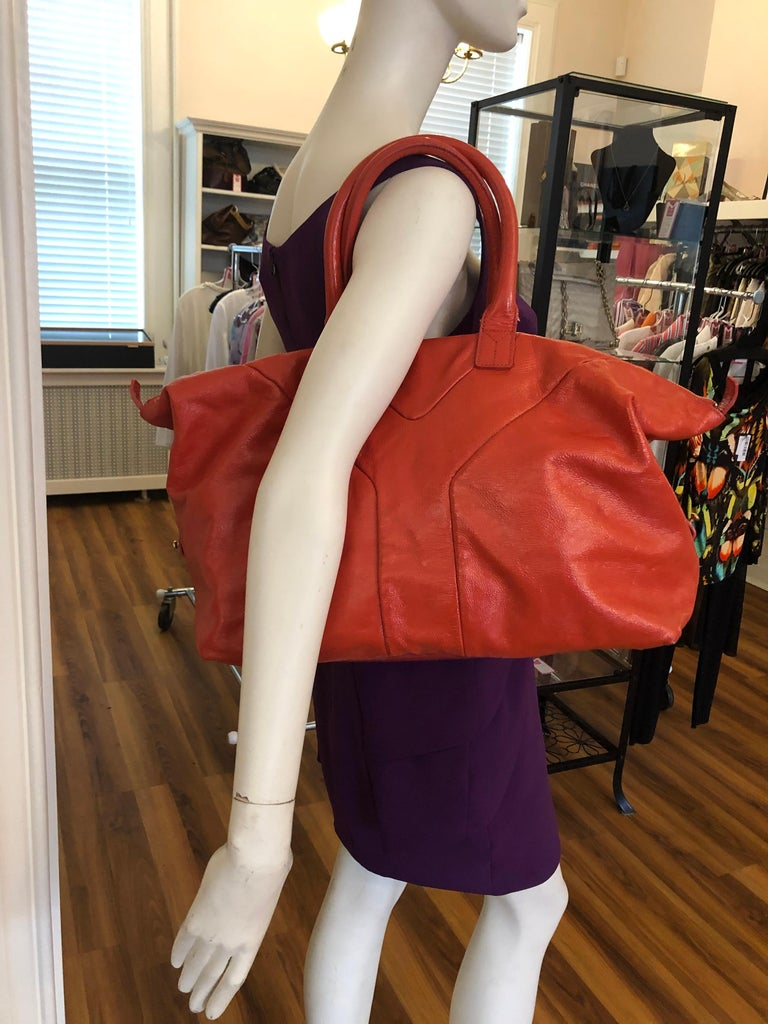 Yves Saint Laurent Orange Patent Leather Easy Y Bag In Good Condition For Sale In Port Hope, ON