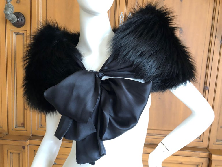 Yves Saint Laurent Rive Gauche by Tom Ford Black Fox Fur Wrap with Ribbon Ties In excellent condition. 34