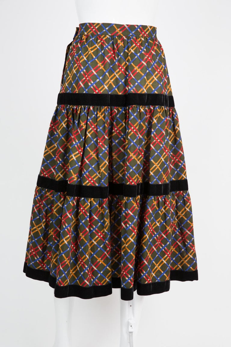 Yves Saint Laurent Russian Collection Wool Skirt In Excellent Condition For Sale In Paris, FR