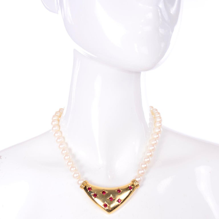 Yves Saint Laurent Signed YSL Vintage Pearls Gold Tone Bib Necklace w Red Stones In Excellent Condition For Sale In Portland, OR