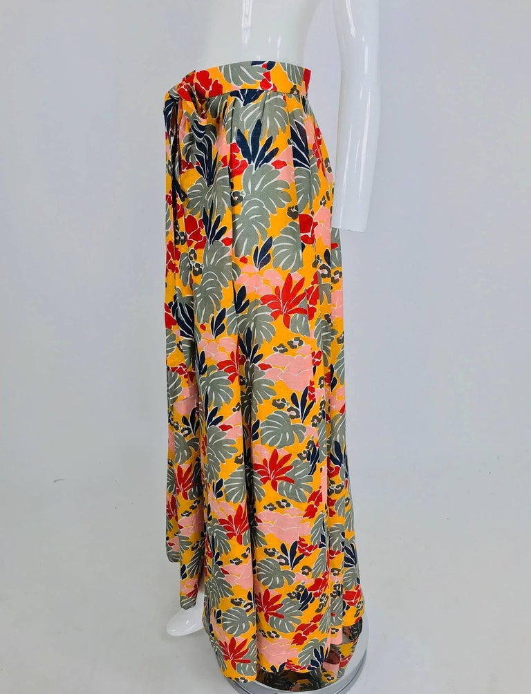 Yves Saint Laurent tropical print linen maxi skirt, 1980s In Excellent Condition For Sale In West Palm Beach, FL