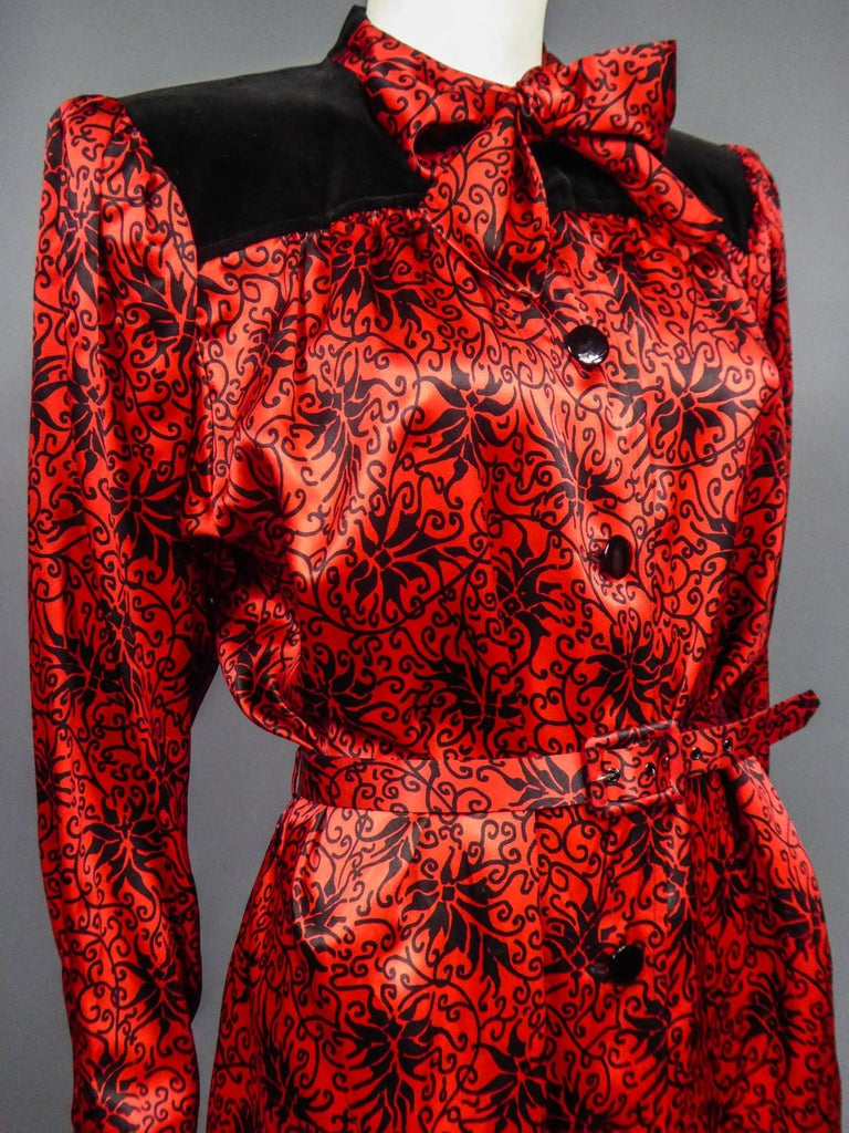 Yves Saint Laurent VariationBlouse Dress in Printed SatinCirca 1990 For Sale 5