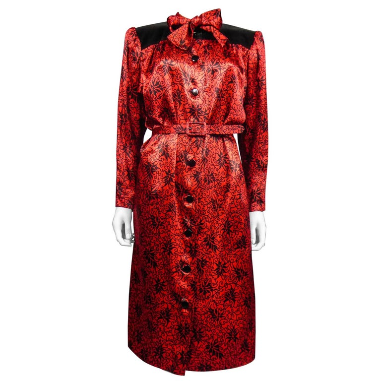 Yves Saint Laurent VariationBlouse Dress in Printed SatinCirca 1990 For Sale