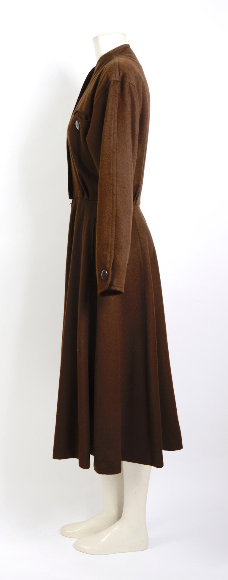 Yves Saint Laurent vintage 1970s brown wool winter dress In Good Condition For Sale In Antwerp, BE