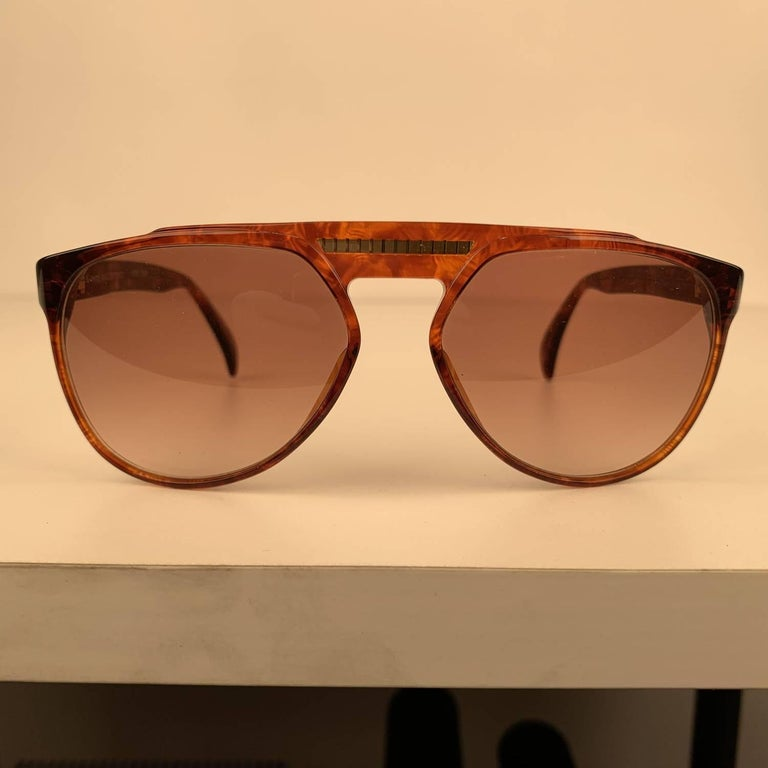 Yves Saint Laurent Vintage 80s Brown Marbled Sunglasses 8726 P094 In Excellent Condition For Sale In Rome, Rome