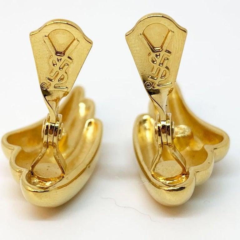 YVES SAINT LAURENT Vintage Clip Earrings In Good Condition For Sale In Paris, FR