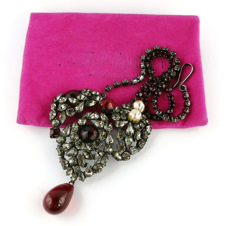 Yves Saint Laurent Vintage Massive Iconic Bejeweled Heart Brooch Necklace In Good Condition For Sale In Nice, FR