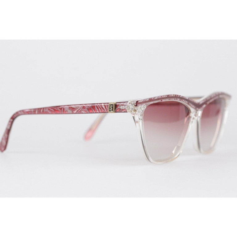 YVES SAINT LAURENT Vintage MINT Sunglasses HYRTHIOS 58mm w/Rhinestones In Excellent Condition For Sale In Rome, Rome