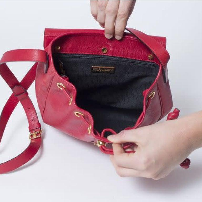 Yves Saint Laurent Vintage Y Studs Bucket Flap Bag - Red In Good Condition For Sale In Montreal, Quebec
