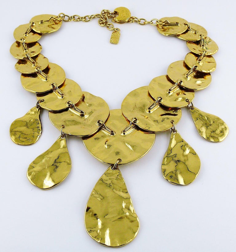 Yves Saint Laurent YSL Opulent Gold Toned Crumpled Discs Necklace For Sale 8