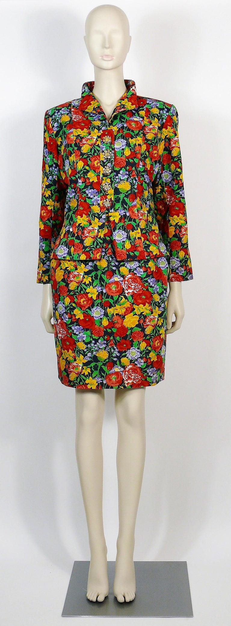 Yves Saint Laurent YSL Vintage Floral Print Skirt Suit Spring/Summer 1992 In Excellent Condition For Sale In Nice, FR