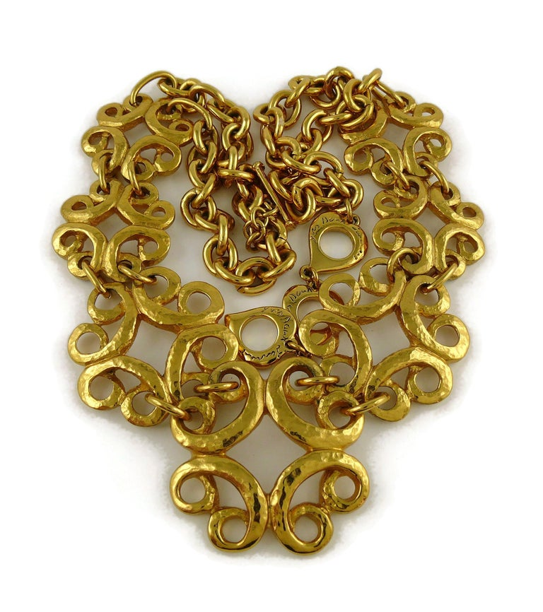 Yves Saint Laurent YSL Vintage Gold Toned Arabesque Charm Link Necklace In Excellent Condition For Sale In Nice, FR