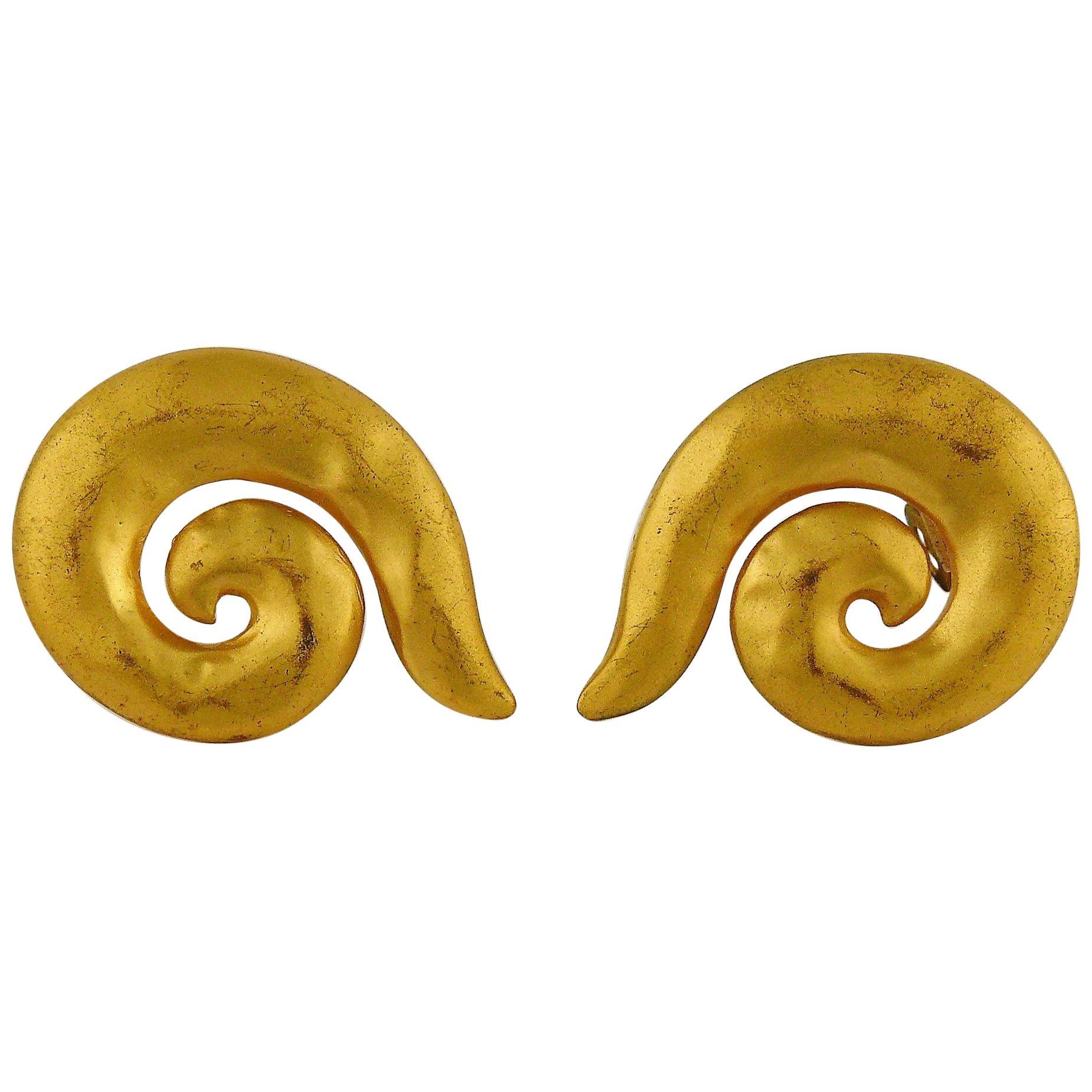 84e886e74e8 Vintage Yves Saint Laurent Earrings - 186 For Sale at 1stdibs