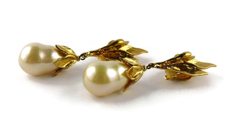 Yves Saint Laurent YSL Vintage Gold Toned Foliage Pearl Drop Dangling Earrings For Sale 3