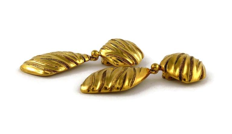 Yves Saint Laurent YSL Vintage Gold Toned Ribbed Dangling Earrings For Sale 2