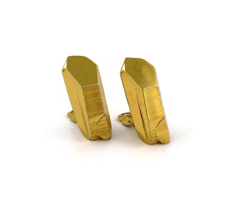 Yves Saint Laurent YSL Vintage Gold Toned Rock Crystal Shaped Clip On Earrings In Good Condition For Sale In Nice, FR