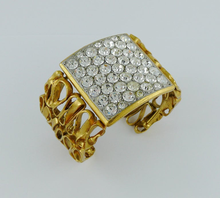 Yves Saint Laurent YSL Vintage Gold Toned Wire Cuff Bracelet In Good Condition For Sale In Nice, FR