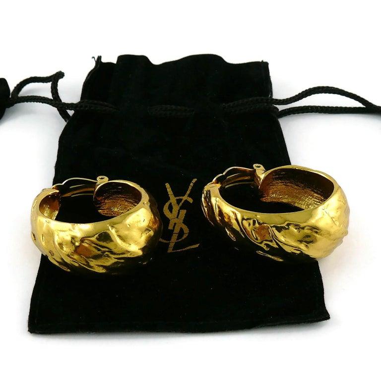 Yves Saint Laurent YSL Vintage Massive Textured Hoop Earrings In Good Condition For Sale In Nice, FR