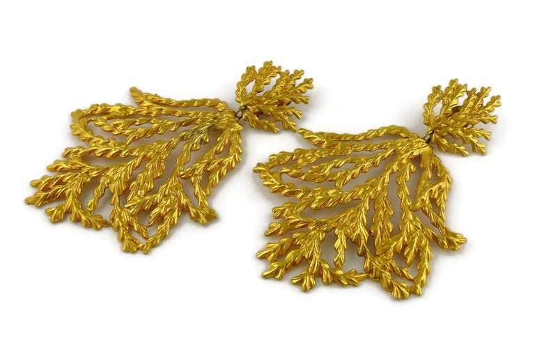 Yves Saint Laurent YSL Vintage Oversized Gold Toned Foliage Dangling Earrings For Sale 1