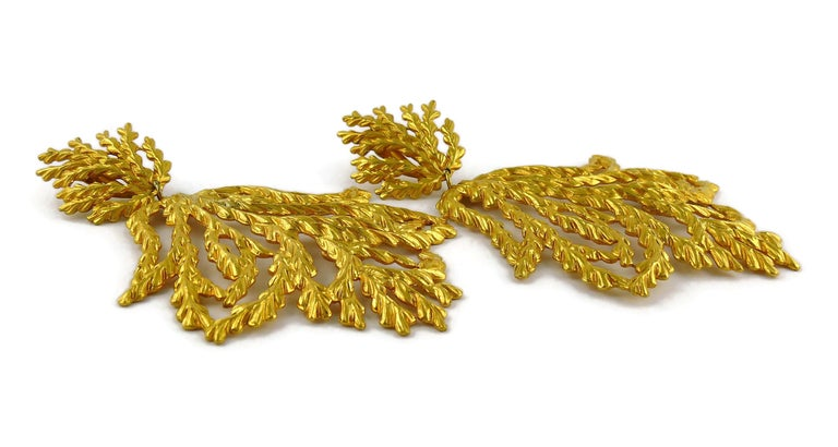 Yves Saint Laurent YSL Vintage Oversized Gold Toned Foliage Dangling Earrings For Sale 2