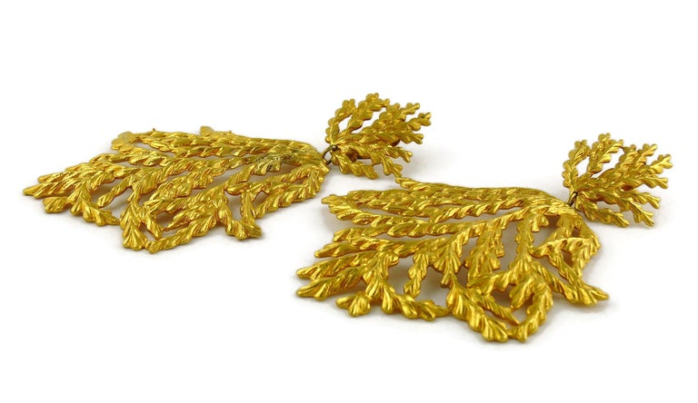 Yves Saint Laurent YSL Vintage Oversized Gold Toned Foliage Dangling Earrings For Sale 3