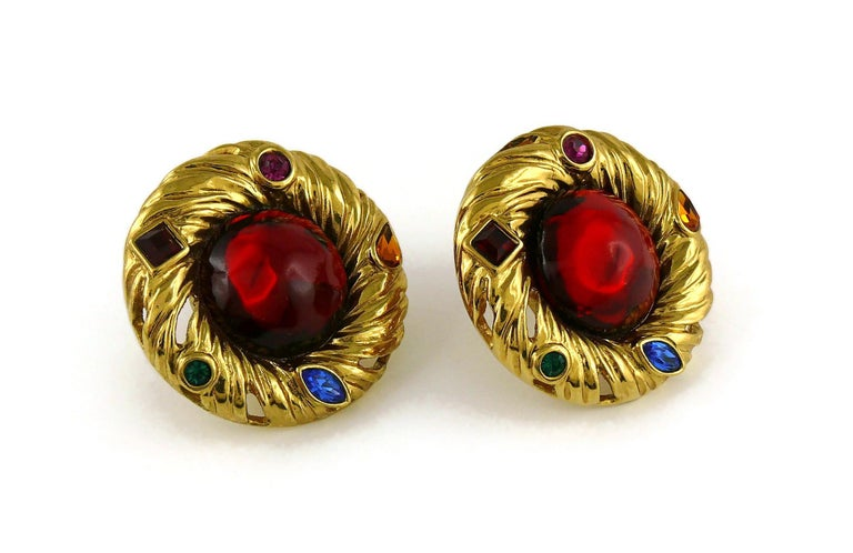 Yves Saint Laurent YSL Vintage Red Cabochon Jewelled Clip-On Earrings In Excellent Condition For Sale In Nice, FR