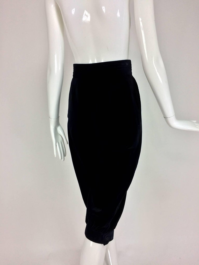 Yves St Laurent Navy & Black Velvet Knickers 1970s In Excellent Condition For Sale In West Palm Beach, FL