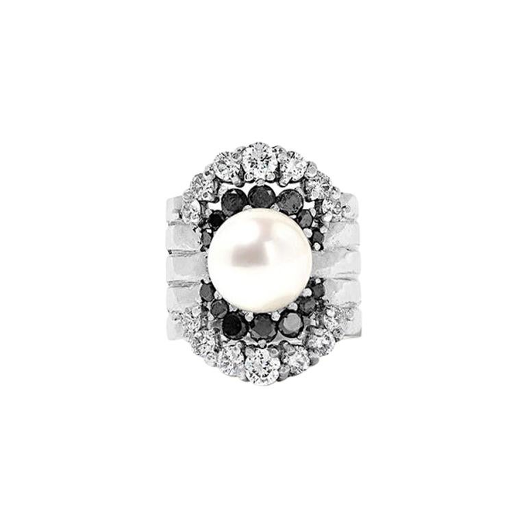 Yvonne Leon's Ear Cuff in 18 Karat White Gold with Diamonds and Black Diamonds