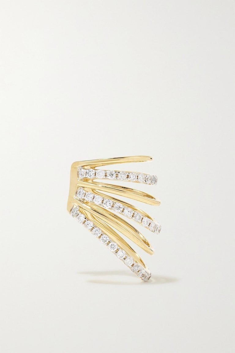 Ear Cuff in Yellow Gold 18 carats 2,3gr approx. Grey Diamonds 0,40 carats approx.