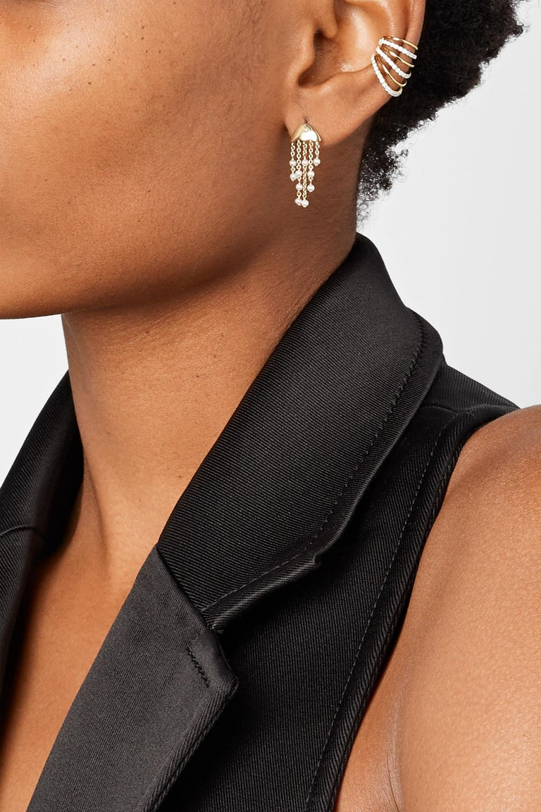 Round Cut Yvonne Leon's Ear Cuff in 18 Karat Yellow Gold with Diamonds For Sale