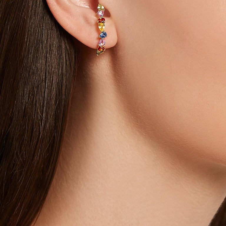 Yvonne Leon's Ear Ring in 18 Carat Yellow Gold Sapphires Multicolored In New Condition For Sale In Paris, FR