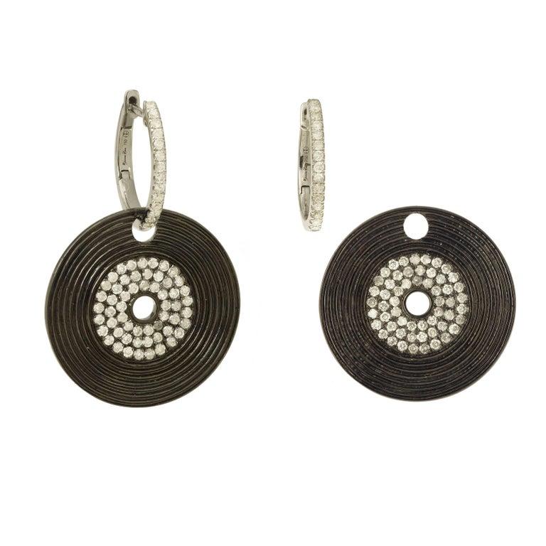 Yvonne Leon's Earring in 18 Karat Gold with Diamonds and Black Gold Vinyl Shape