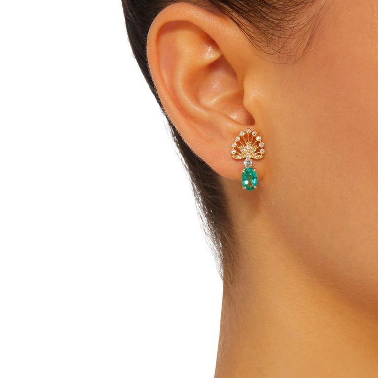 Yvonne Leon's Earrings in Yellow Gold 18 Carat with Emeralds and Diamonds In New Condition For Sale In Paris, FR