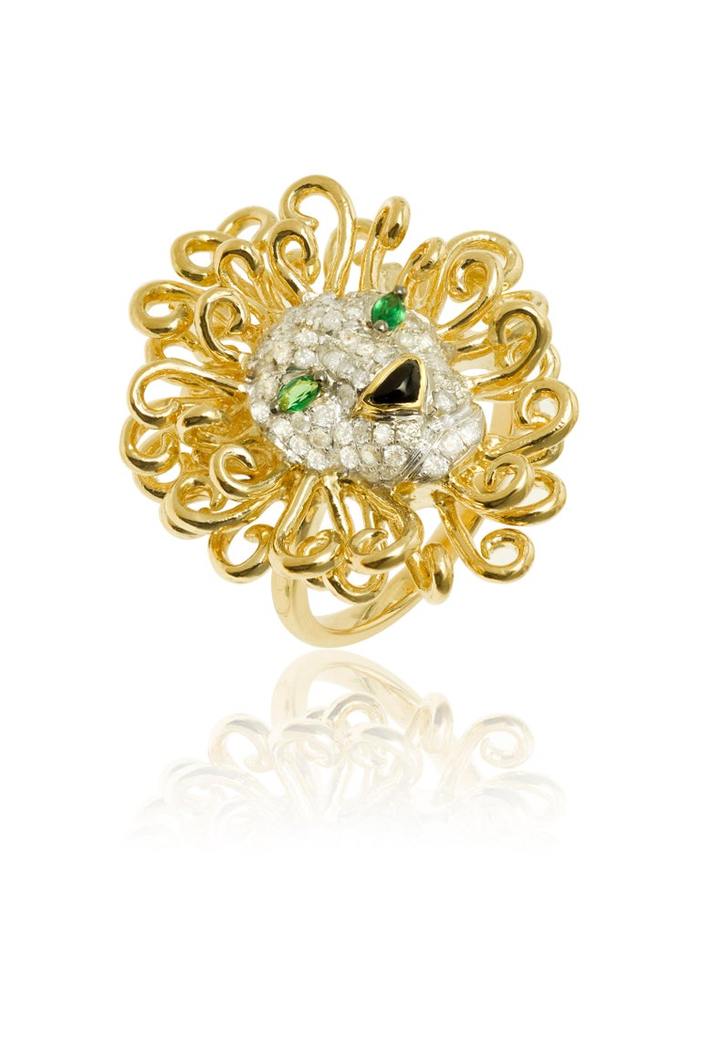 Yvonne Leon's Lion Ring in 18 Karat Yellow Gold, Diamonds and Tsavorites In New Condition For Sale In Paris, FR