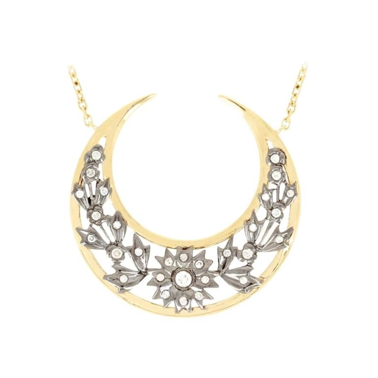 Yvonne Leon's Necklace Moon in 18 Karat Yellow Gold with Diamonds