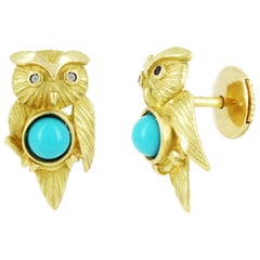 Yvonne Leon's Pair of Owl Earrings Studs in 18 Carat Yellow Gold and Turquoises