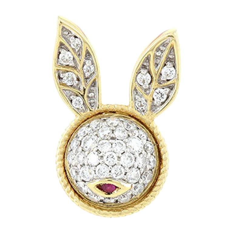 Yvonne Leon's Pair of Rabbit Stud Earrings in 18 Carat Yellow Gold Diamonds For Sale