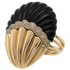 Yvonne Leon's Set of 3 Rings Shell in 18 Karat Yellow Gold Diamonds and Onyx
