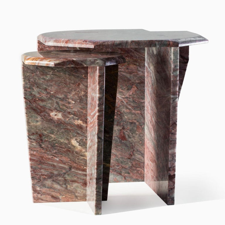 This elegant Salomé marble coffee table features one central support. The Z series uses joints and no glue or screws. The combinations can be customized with two different kinds of marble for top and bottom among the following: green Guatemala,