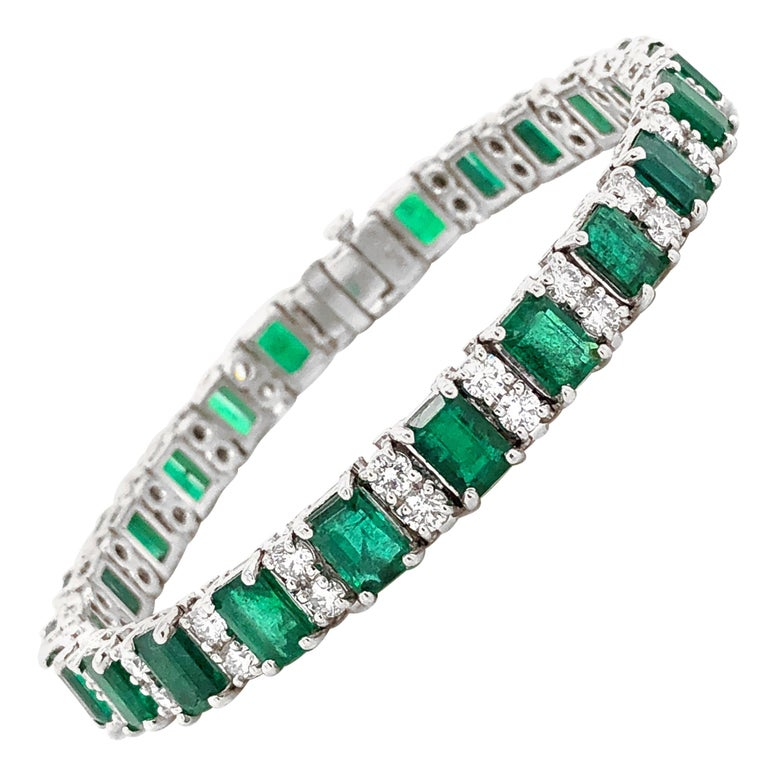 Zambian Emeralds 14.9 Carat and Round Diamonds Platinum Bracelet For Sale