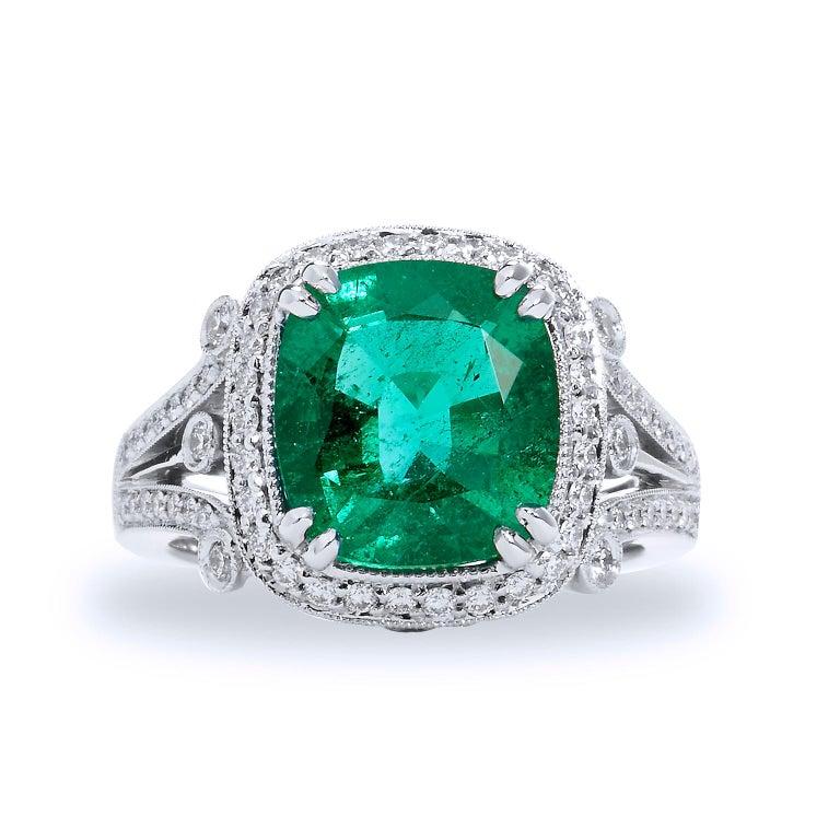 Zambian Cushion Cut Emerald Diamond Ring In New Condition For Sale In Miami, FL