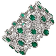 Zambian Oval Cut Emeralds 22.18 Carat Diamonds 20.16 18K White Gold Bracelet