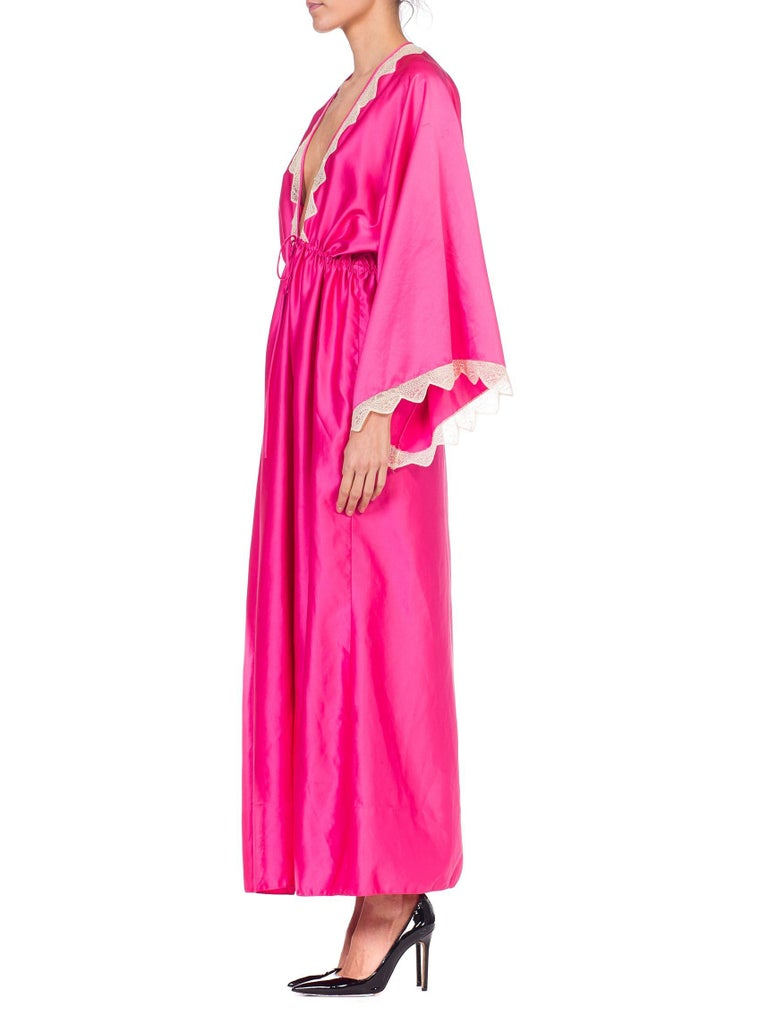 Zandra Rhodes Pink Satin Kaftan Maxi Dress With Lace In Good Condition For Sale In New York, NY