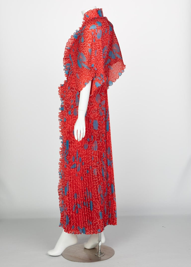 Women's Zandra Rhodes Red Pleated Shell print Caftan and Sleeveless Dress Set, 1970s For Sale