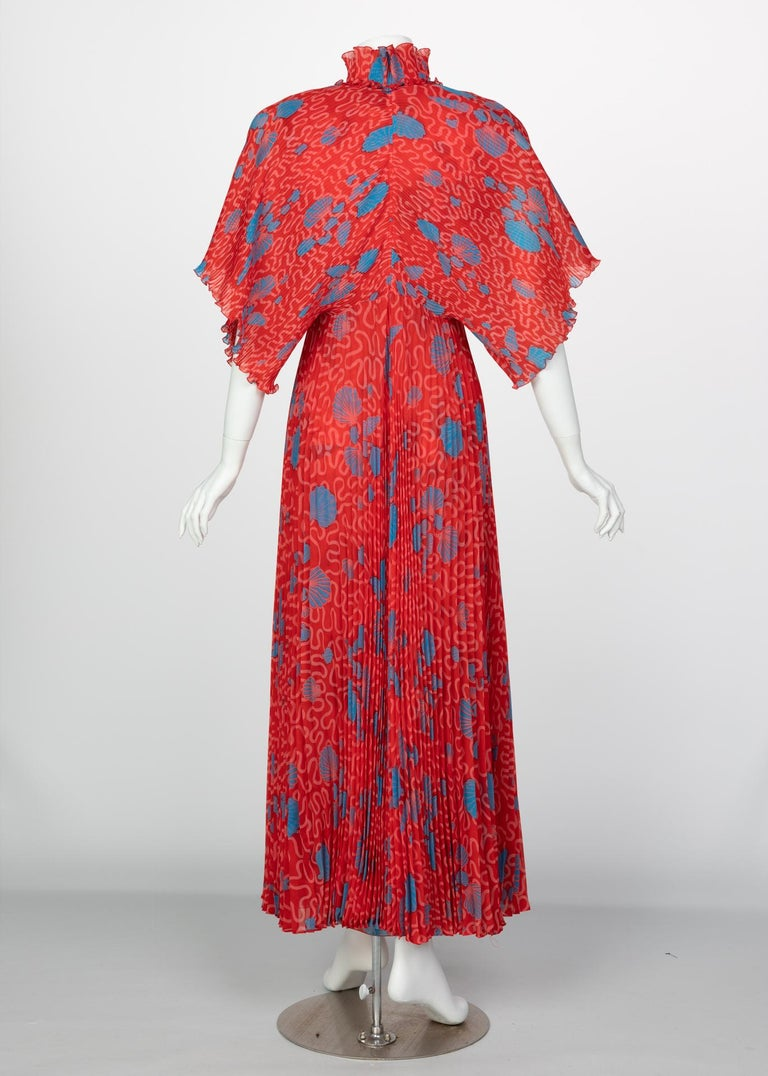Zandra Rhodes Red Pleated Shell print Caftan and Sleeveless Dress Set, 1970s For Sale 1
